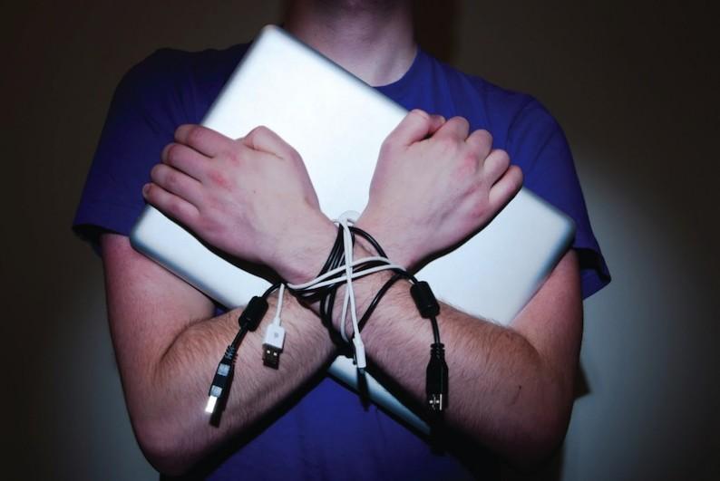 addicted-to-the-internet-thumb-Derek-Oldham