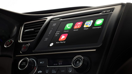Apple dévoile CarPlay